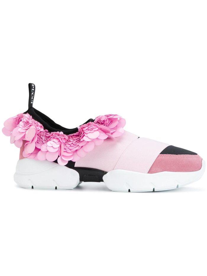 Яркие кроссовки с цветами для лета.