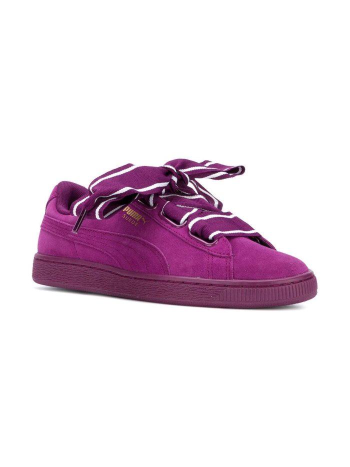 Модные кроссовки с эффектом бархата.