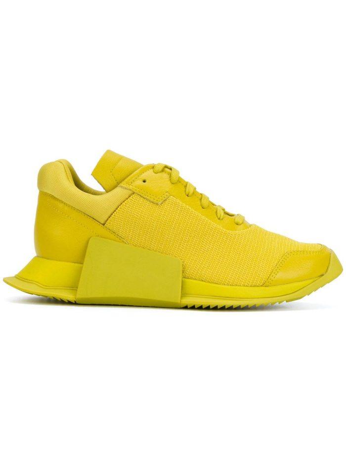 Модные желто-салатные кроссовки.