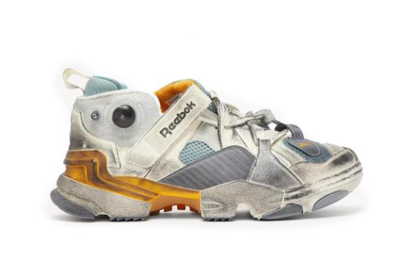 Стильные кроссовки Reebok.