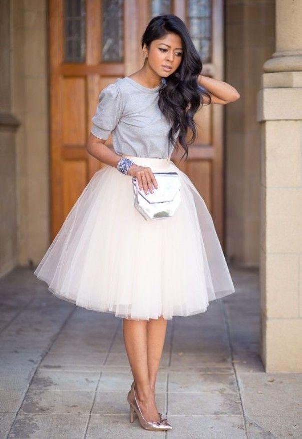 Фатиновая юбка и туфли на каблуке - образ принцессы.