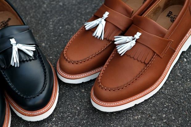 Туфли с контрастными кисточками смотрятся очень стильно и модно.