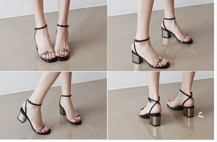 Тесные модели с тонкими ремешками могут сильно передавливать ногу, особенно при длительной носке