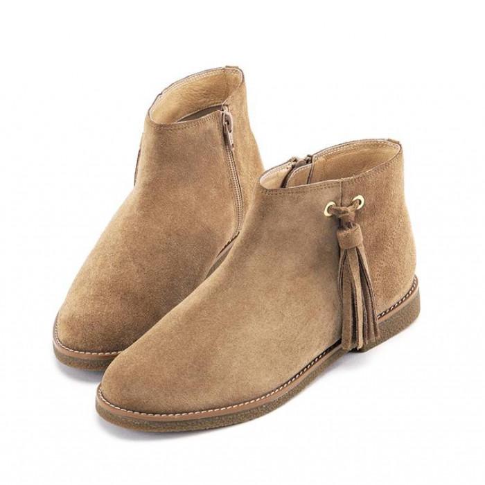 Элегантные ботинки благородного оттенка мокко.