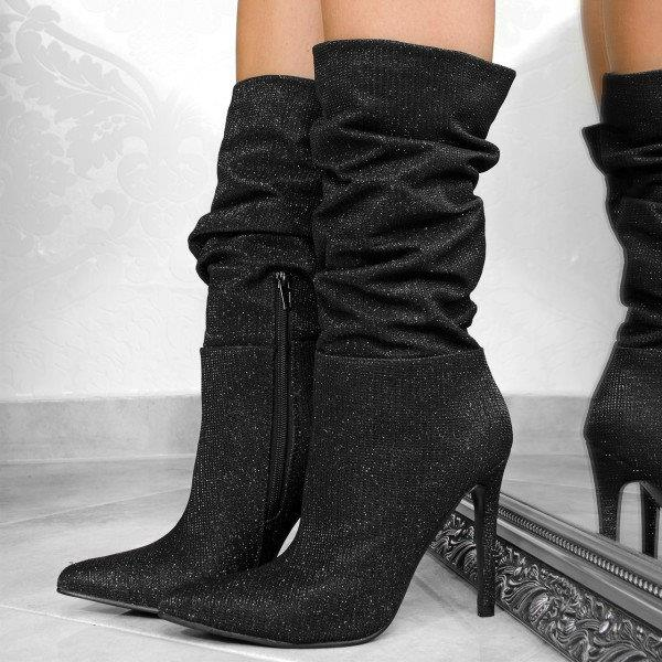 Женственные и элегантные короткие сапоги на высоком каблуке