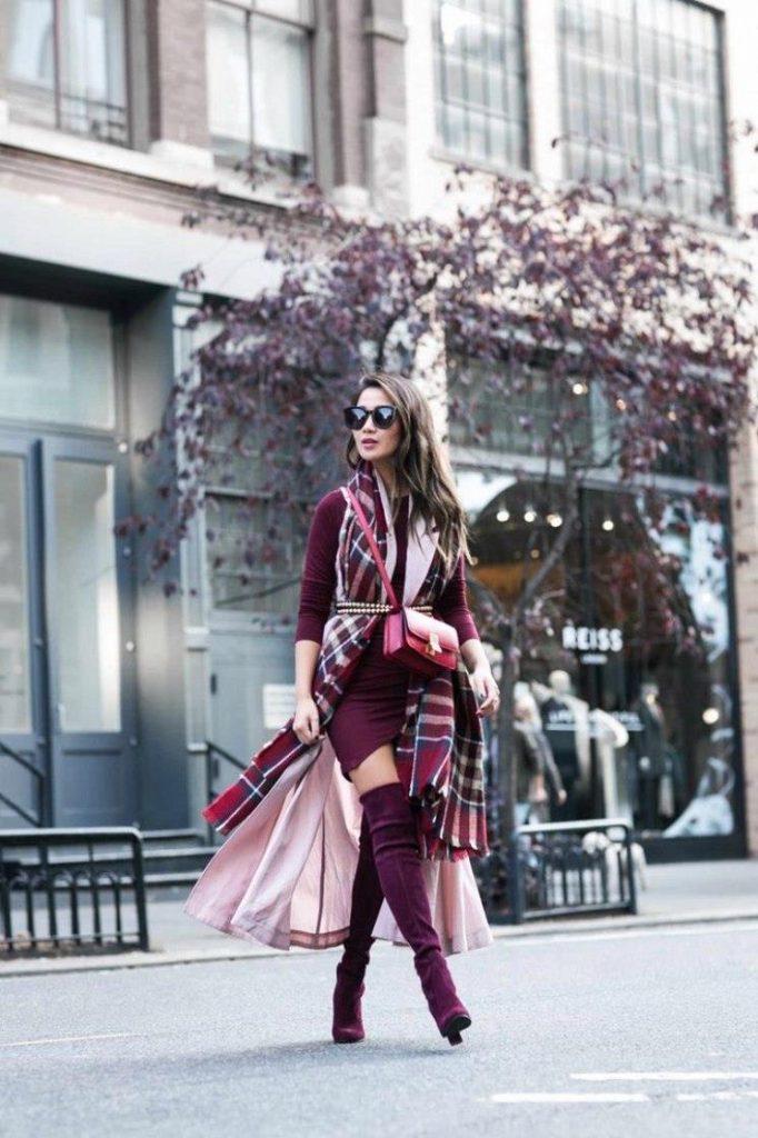 Ботфорты на каблуке  и строгий стиль одежды внесет богемной утонченности изящный аспект
