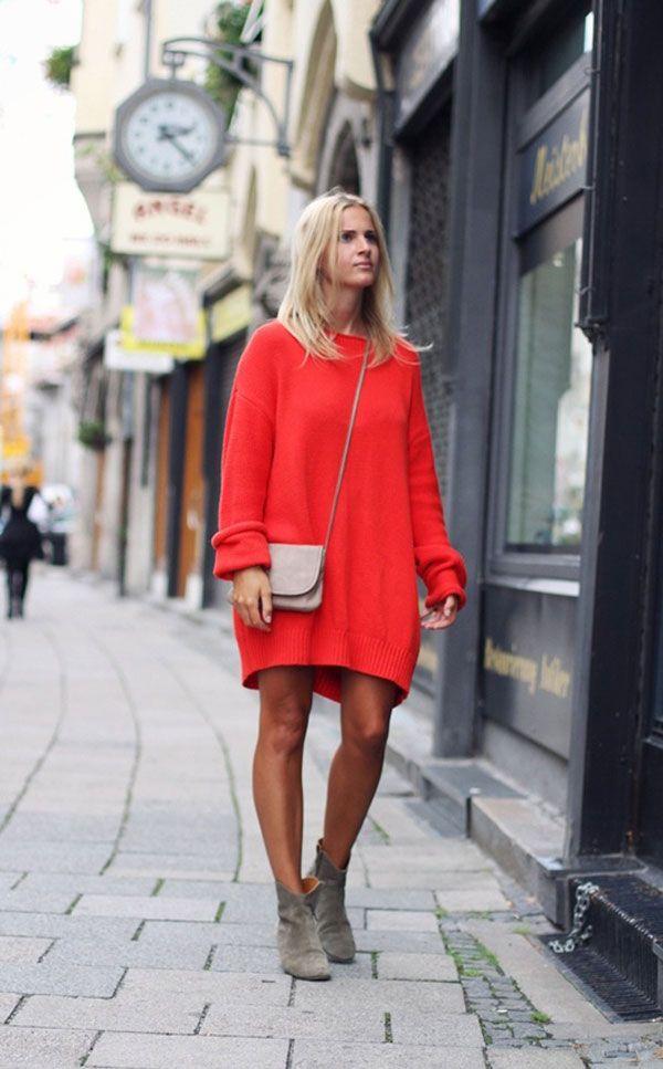 Ботинки идеально дополнят красное платье для повседневных образов.