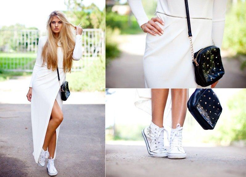 Стильный лайтовый образ для городского лета с кроссовками и платьем в пол.