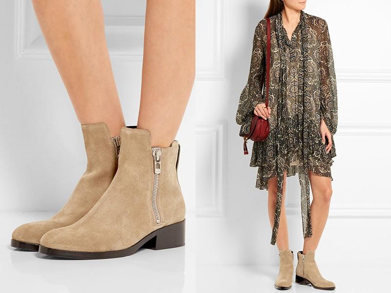 Ботинки на низкой подошве и платье вольного кроя — стильно и удобно.