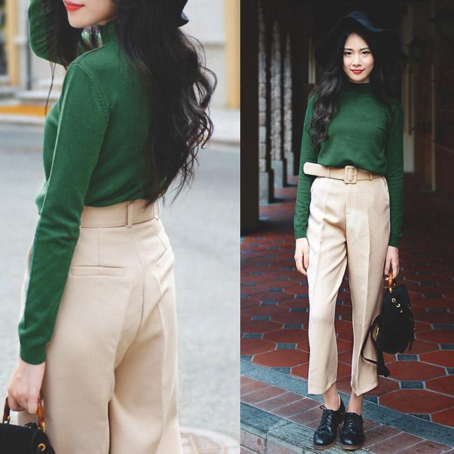 Черные броги прекрасно дополнят элегантные светлые укороченные брюки.