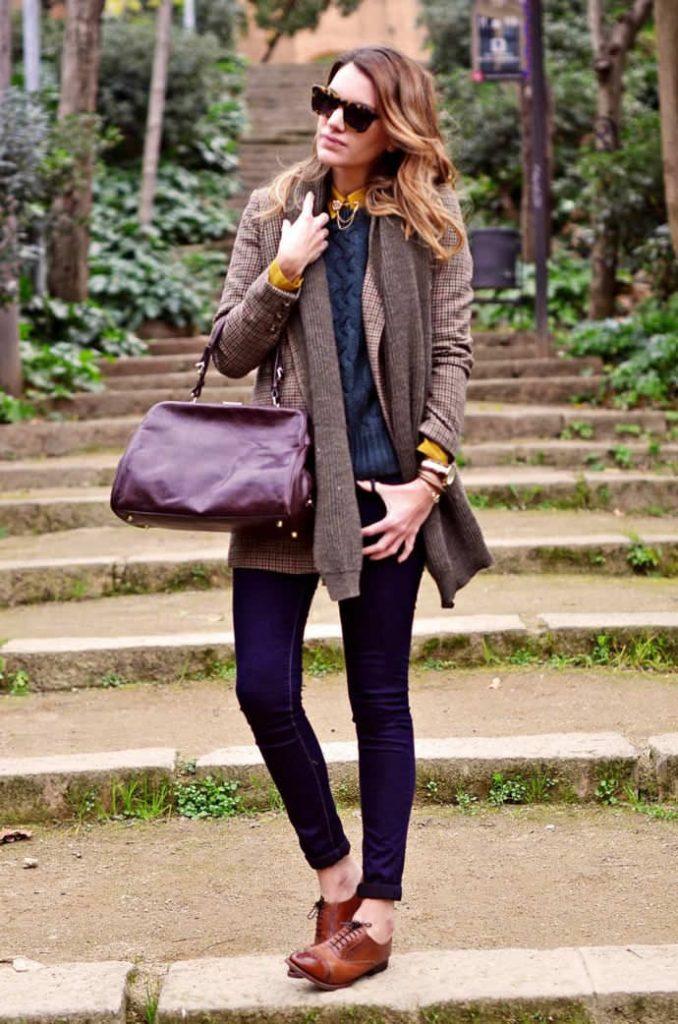 Элегантный и стильный образ с джинсами и броги.