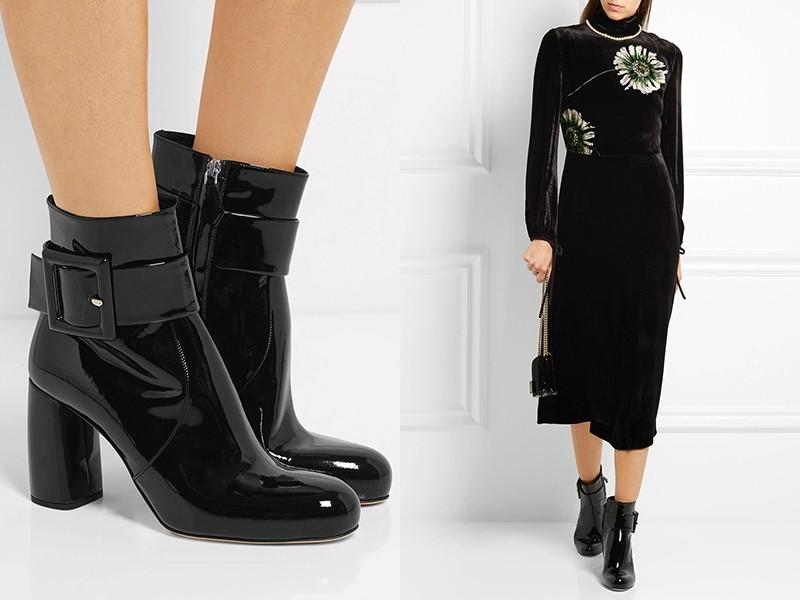 Бархатное платье и ботинки на каблуке — элегантный наряд для вечернего выхода.