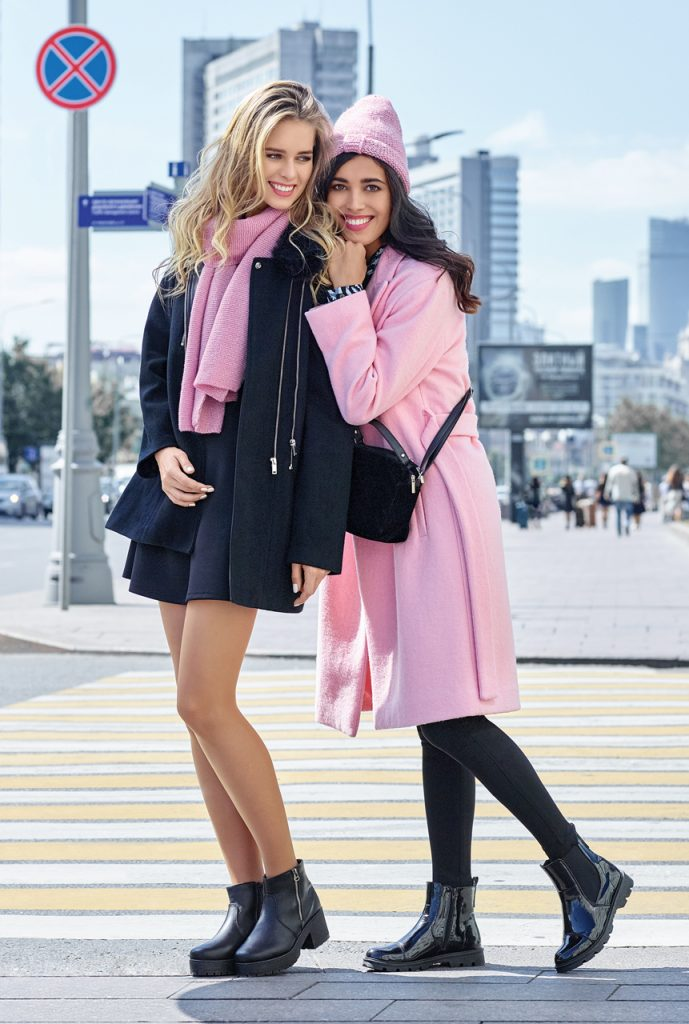 Аккуратные ботинки, розовое пальто и хорошее настроение вам гарантировано.