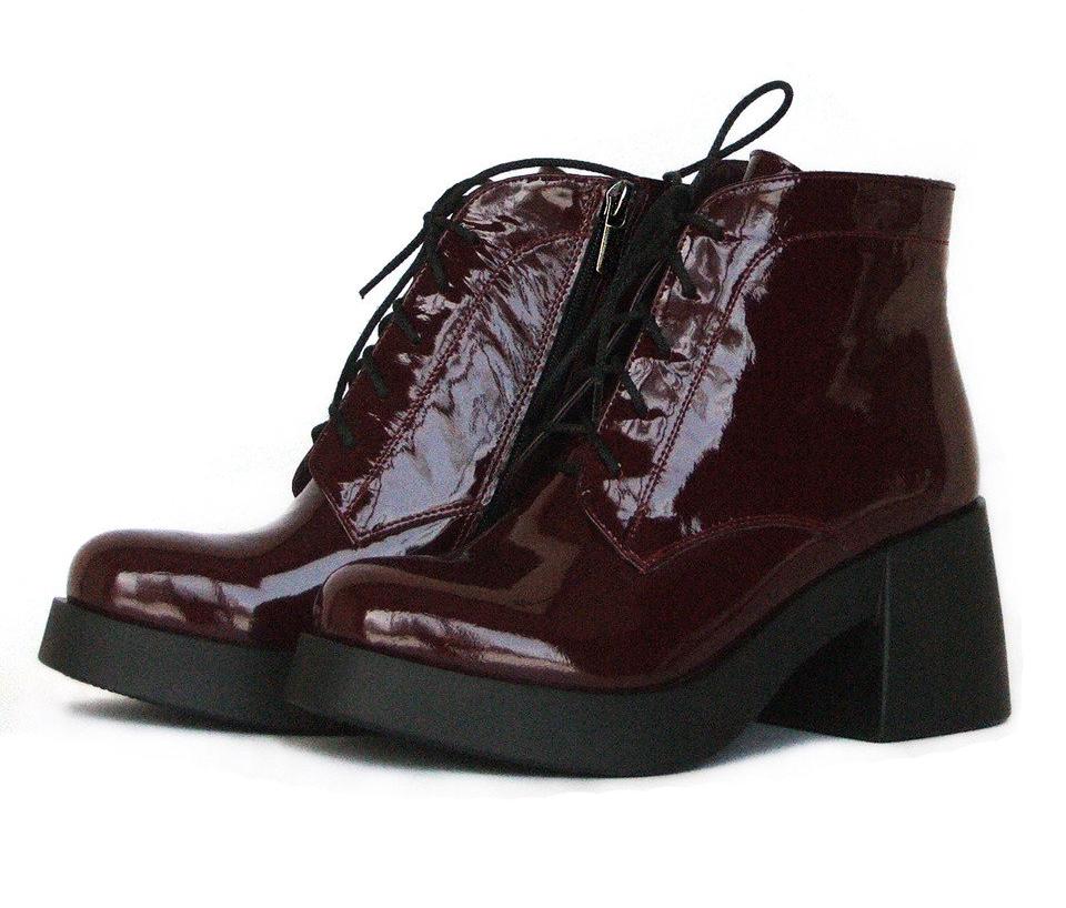Обращайте внимание на швы и края обуви.