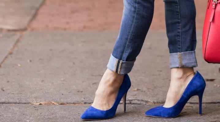 Синие лодочки - универсальное решение обуви для женского гардероба.