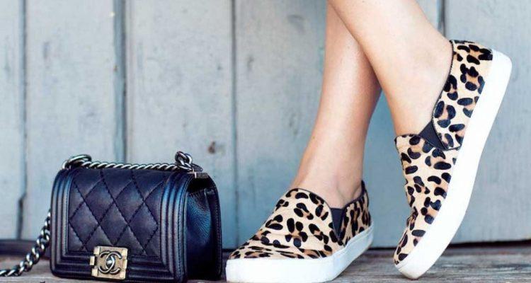Леопардовый принт - модная тенденция, нашедшая свое воплощение и в слипонах.