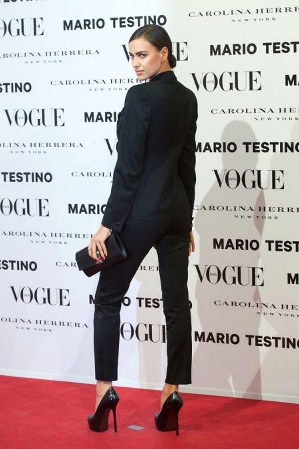 Туфли на высокой шпильке – идеальное дополнение делового образа с элегантным брючным костюмом