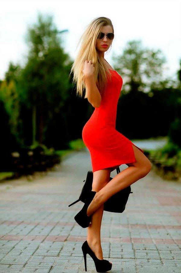 Туфли на шпильке делают женщину сексуальной и привлекательной, удлиняют ноги и силуэт, улучшают осанку