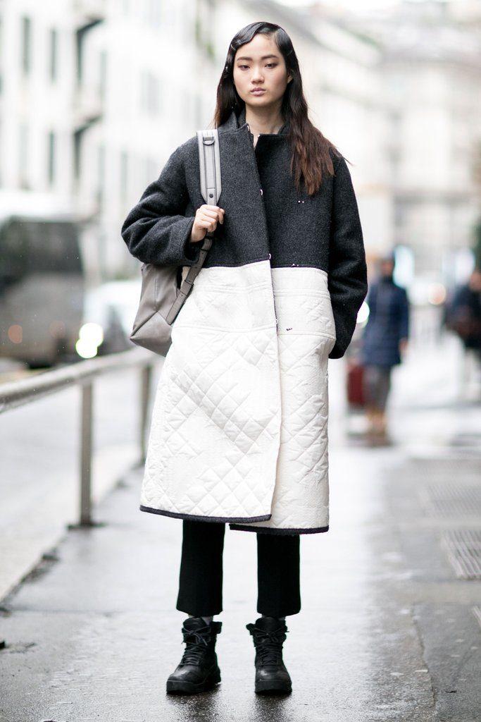 Сапоги со слегка обозначенным каблуком – стильный повседневный лук с короткими брюками и оригинальным пальто