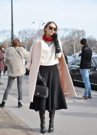 Зимние сапоги на каблуке – гармоничное дополнение образа в деловом стиле
