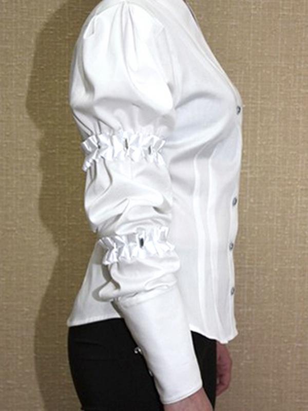 Высокая манжета на пуговицах – вариант оформления рубашки для торжественных выходов