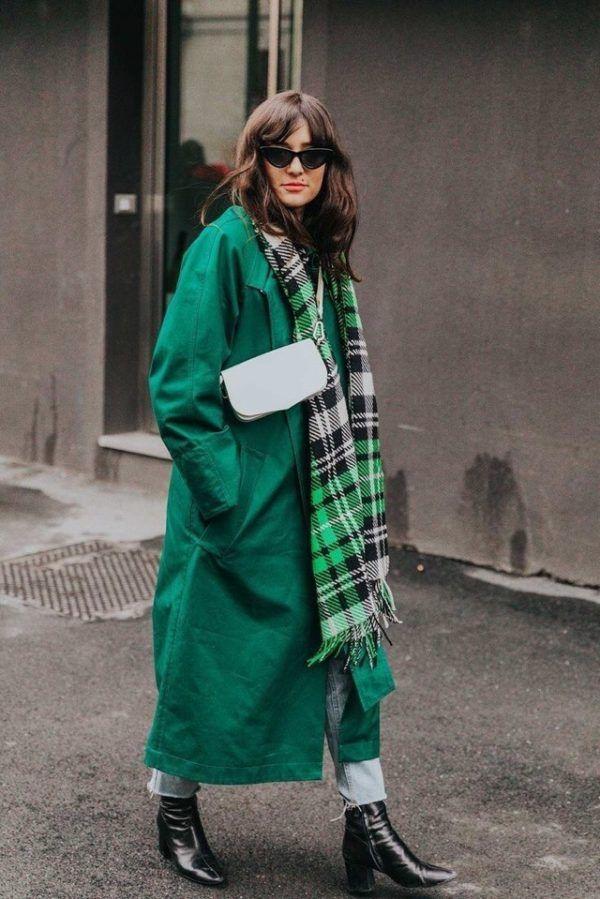 Два оттенка зеленого в одном луке — стильно и эффектно.