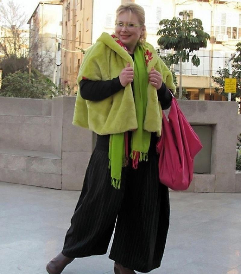 Широкие брюки бохо нивелируют несовершенство фигуры дам с лишними килограммами