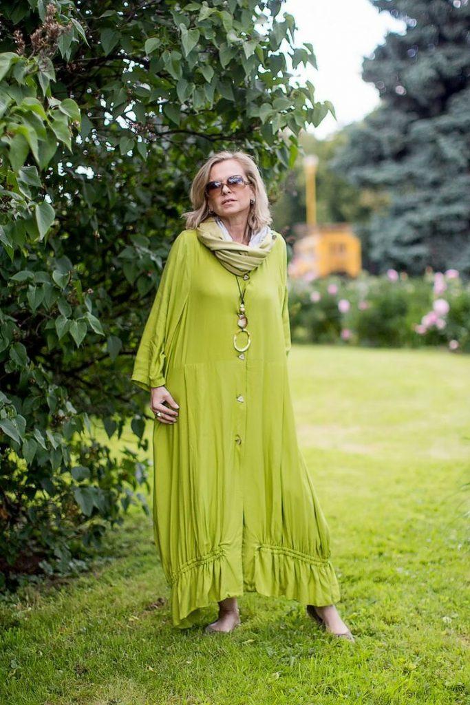 Дамы за 50 смотрятся неподражаемо в свободных ярких платьях в стиле бохо