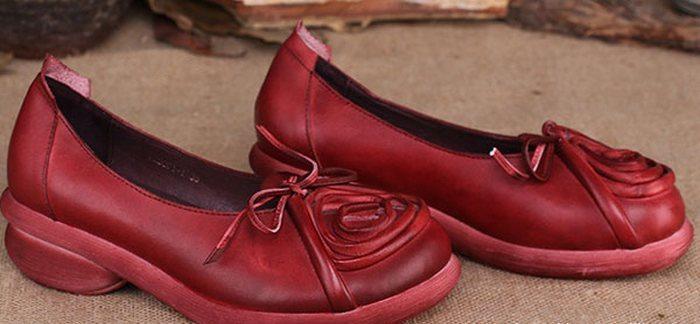 Яркие туфли в бохо стиле органично впишутся в ансамбли с юбками и платьями для осени и весны