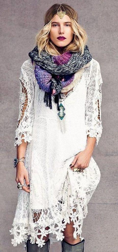 Объемные ажурные шарфы, связанные крючком - важная деталь образов в бохо стиле