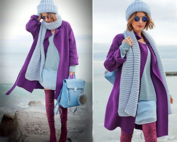 Насыщенный фиолетовый цвет пальто прекрасно гармонирует с нежно-голубым оттенком шарфа в городском луке