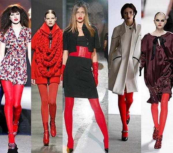 Плотные красные колготки – акцент в образах с нарядами разных цветов