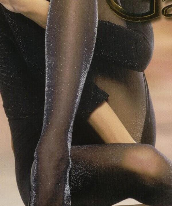 Колготки с люрексом могут быть с серебристым или золотистым отблеском