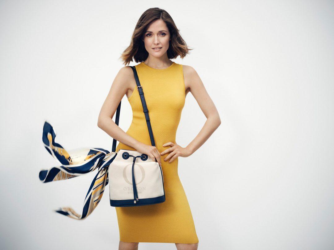 Стройным девушкам нужно выбирать сумки среднего размера.