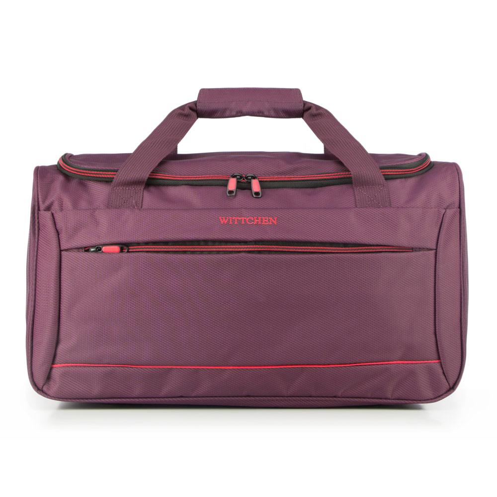 Дорожные сумки шьются из плотных материалов.