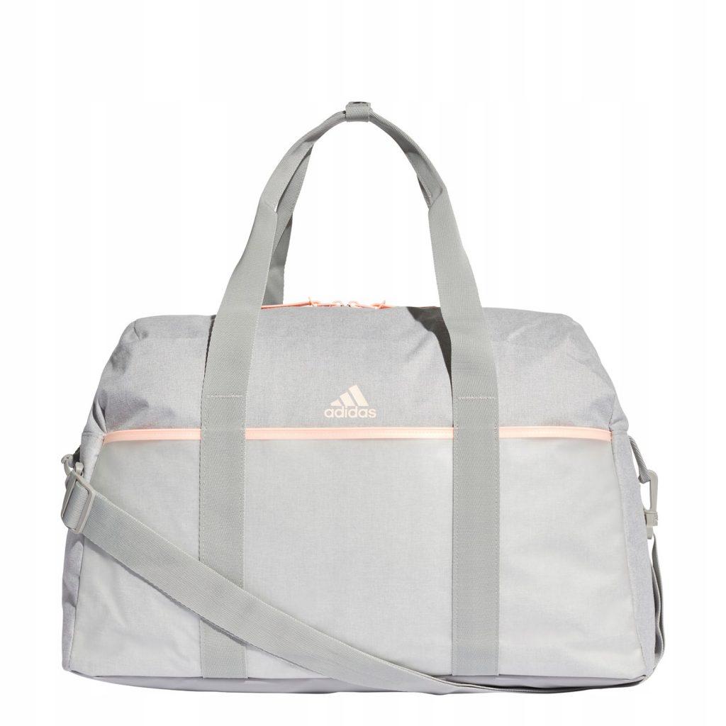 Выбирайте спортивную сумку с привлекательным дизайном.