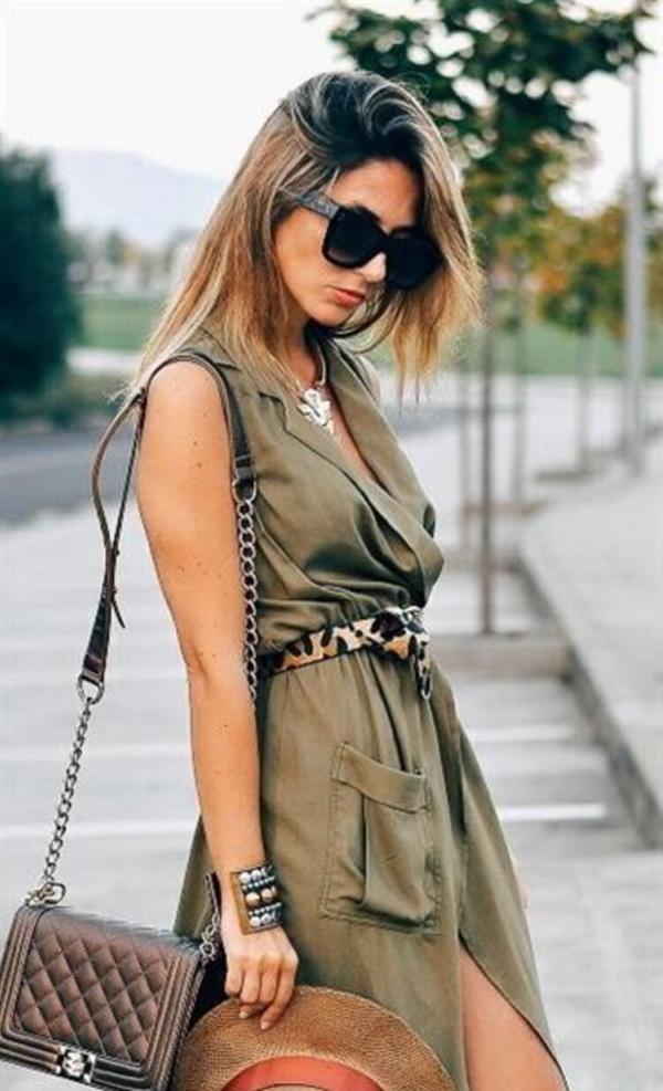 Леопардовый пояс в сочетании с платьем сафари