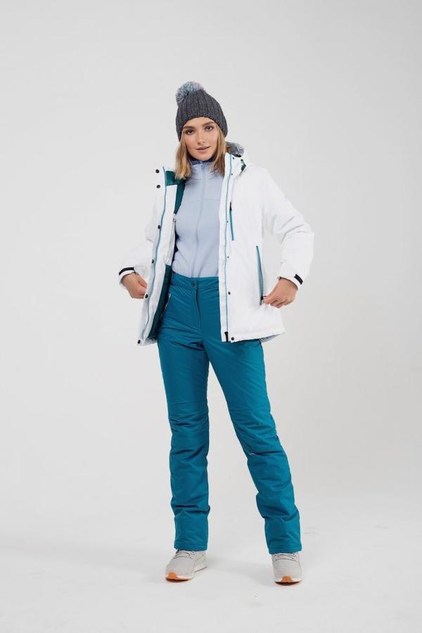 Спортивные куртки часто носят с утепленными штанами.