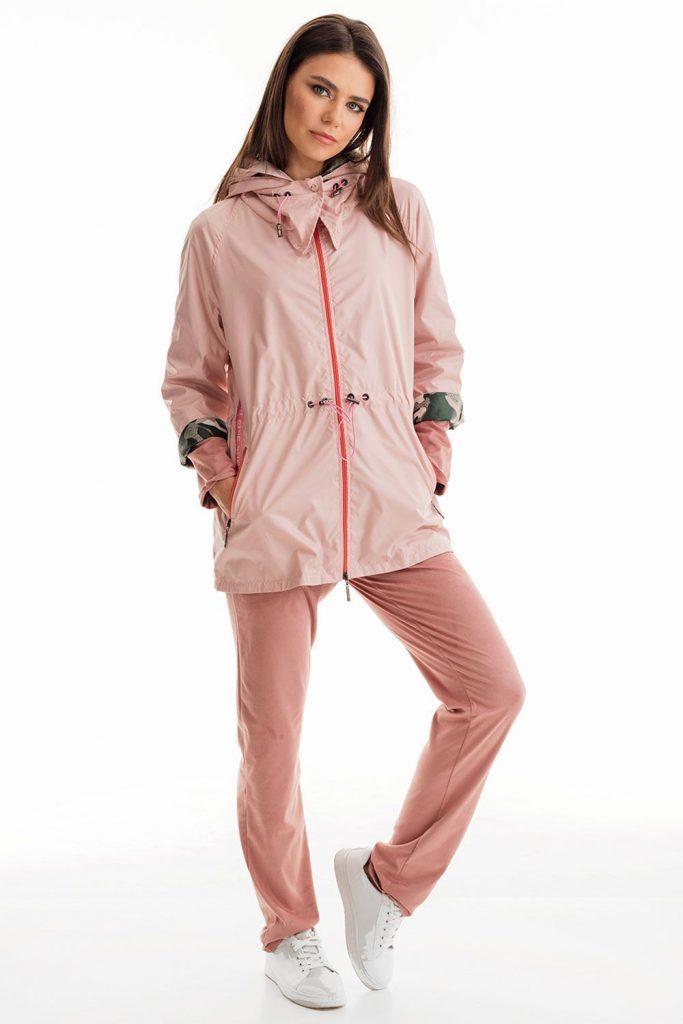 Ветровка — популярная модель куртки.