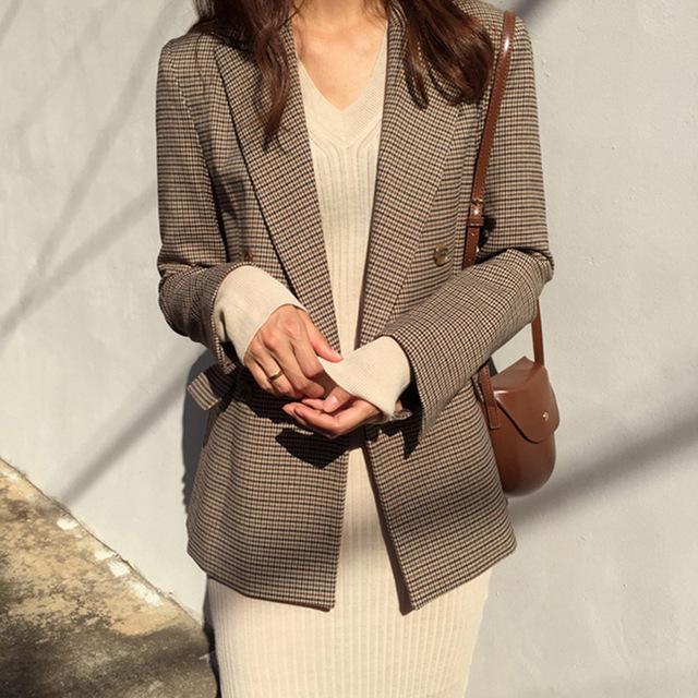 Мелкая клетка — частый узор на пиджаках.