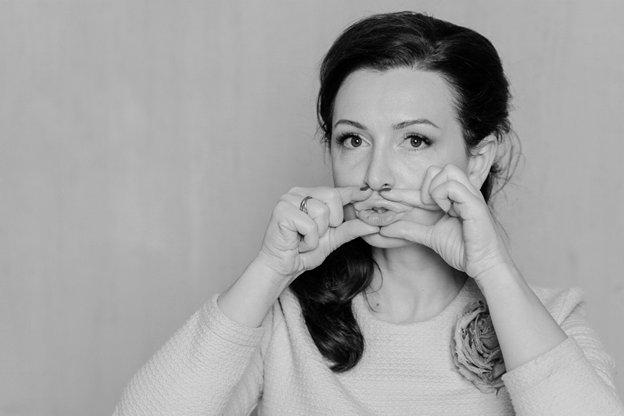 Упражнения для сохранения объема губ: упражнение 3