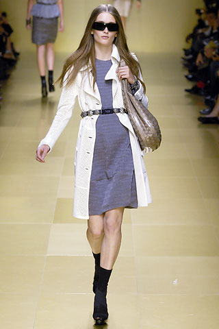 http://glamurnenko.ru/images/fashion2/coat_burberry1_big.jpg