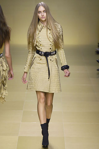 http://glamurnenko.ru/images/fashion2/coat_burberry2_big.jpg