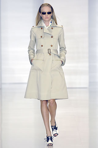 http://glamurnenko.ru/images/fashion2/coat_hilfinger2_big.jpg