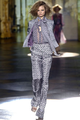 http://glamurnenko.ru/images/fashion2/fl_cavalli2_big.jpg