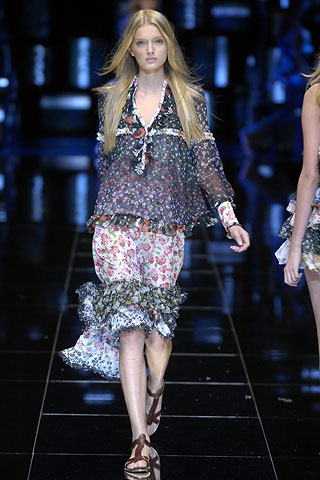 http://glamurnenko.ru/images/fashion2/fl_d&g1_big.jpg