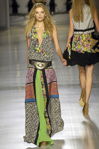 http://glamurnenko.ru/images/fashion2/fl_etro1_big.jpg